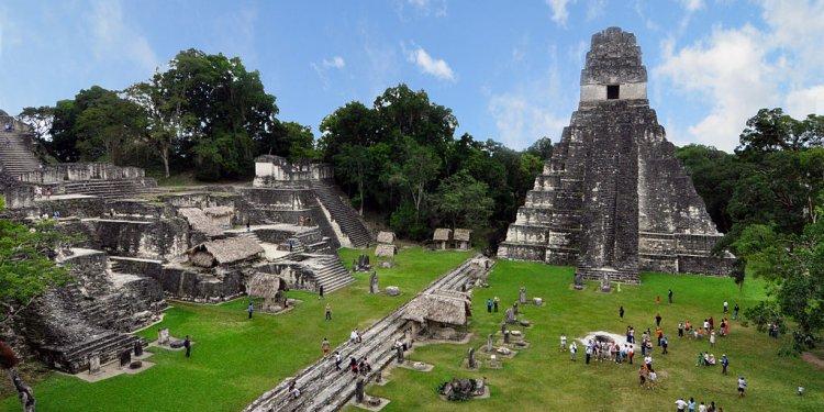 File:Tikal mayan ruins 2009