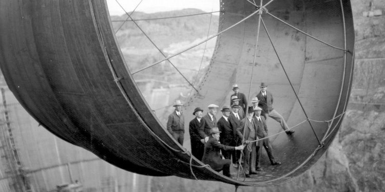 Hoover Dam build photos reveal