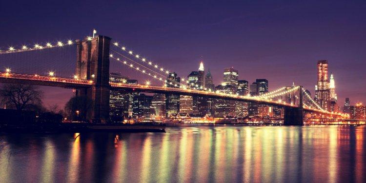 New York: Brooklyn Bridge. by
