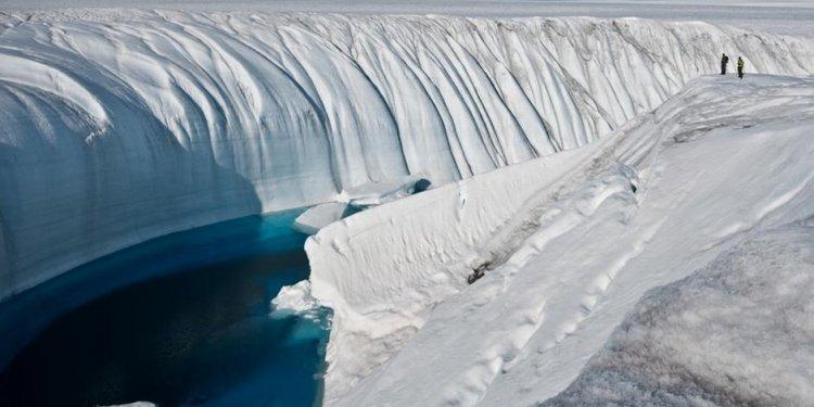 Polar ice sheets melting