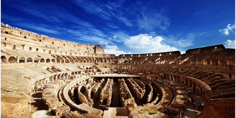 Visit the Colosseum with no