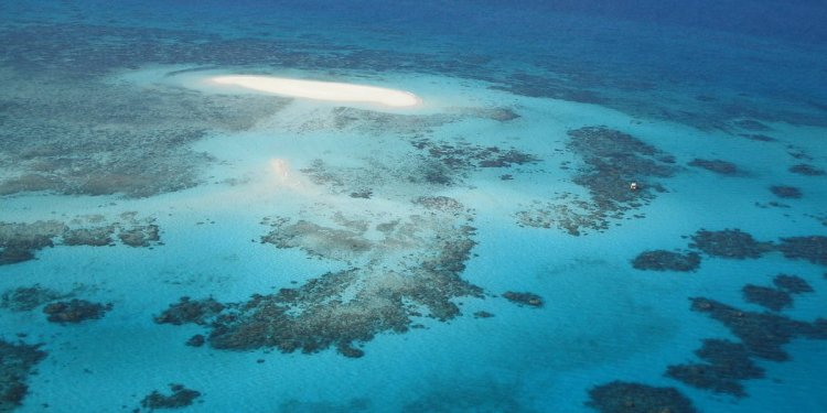 Great Barrier Reef where is it located
