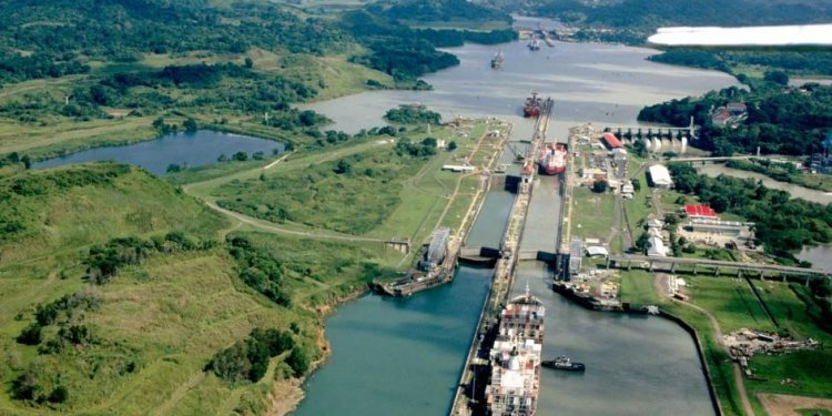 Panama Canal Geography