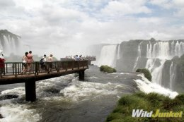 The Brazilian region of the falls requires a half-day experience.